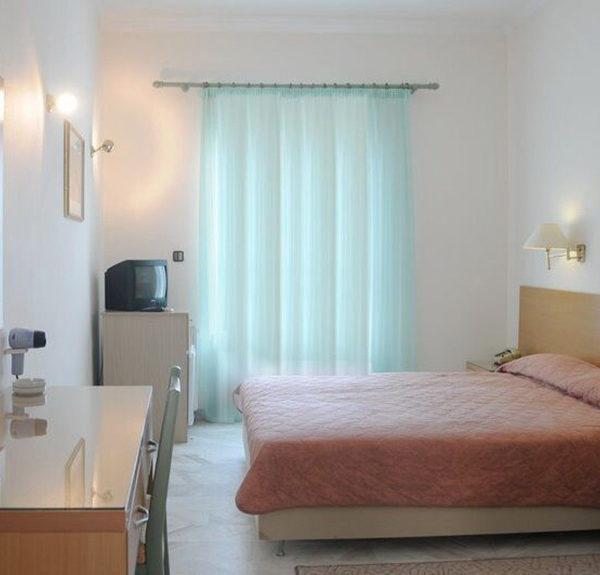 δωματια αιγινα - Katerina Hotel