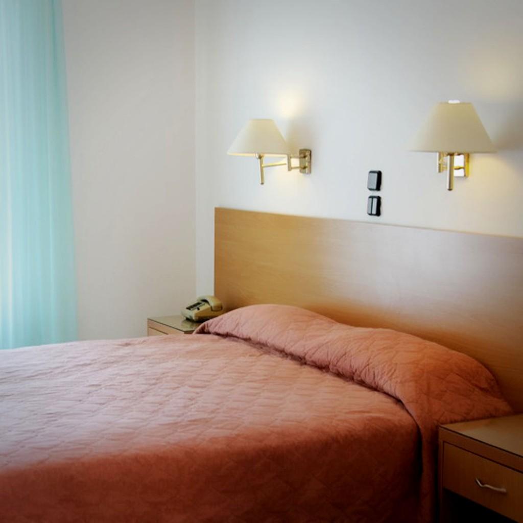 διαμονη αιγινα - Katerina Hotel